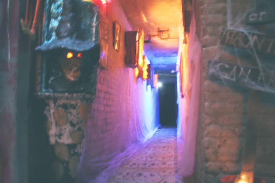 haunted-gallery-entrance